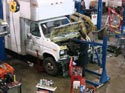 287_Ford_E350_truck_cubevan_V8_engine_removal3