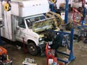288_Ford_E350_truck_cubevan_V8_engine_removal4