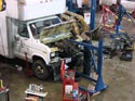 291_Ford_E350_truck_cubevan_V8_engine_removal7