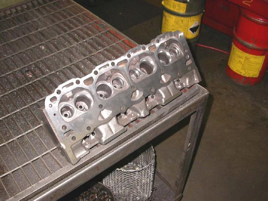 113_V8_aluminum_head_new_valve_seats