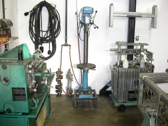 182_engine_remanufacturing_equipment_station